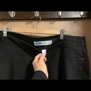Old Navy Jeans - Old navy rockstar pull on jegging